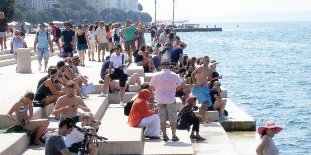 """DANIEL RADETA: """"Politička elita i nesposobni kadrovi su odgovorni za katastrofalne razultate u turizmu!"""""""